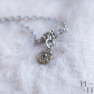 Handmade chain bracelet with flower pendant